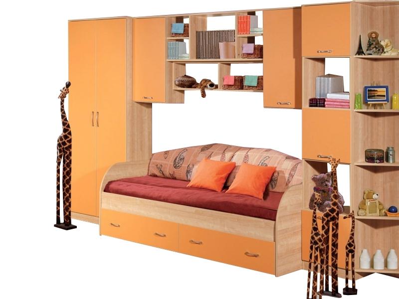 Недорогая мебель с кроватью в детскую Спринт